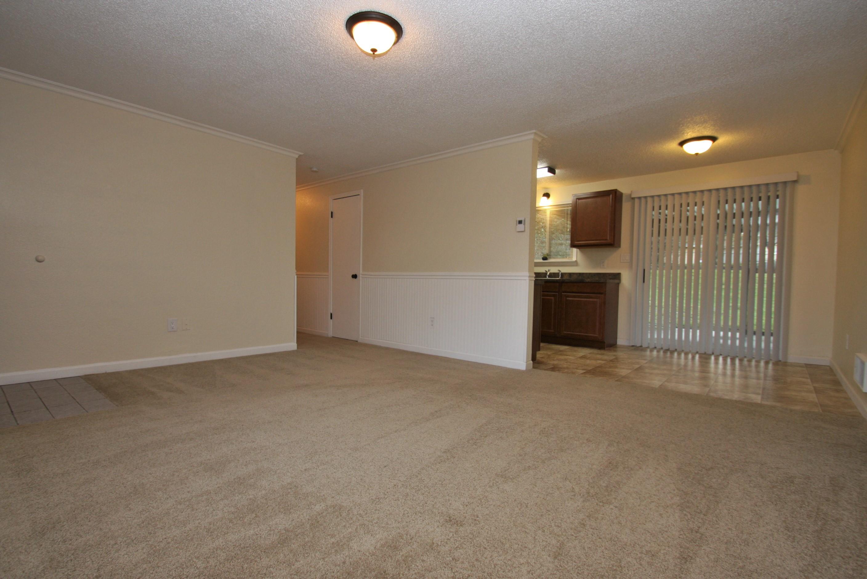 (4) living room 2