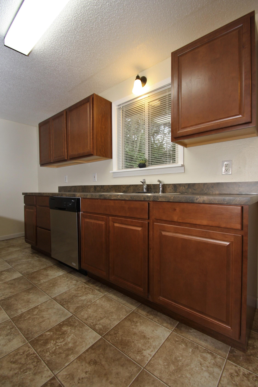 (8) kitchen 2