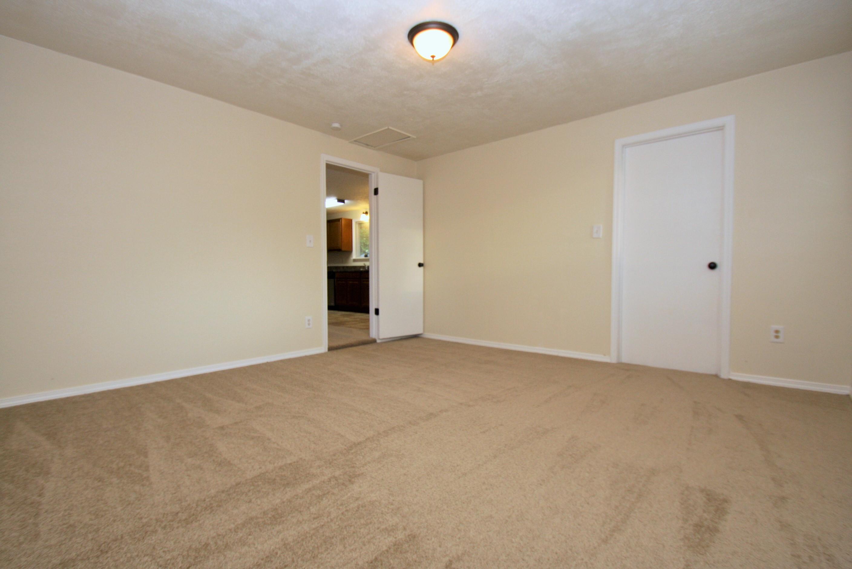 (9) family room
