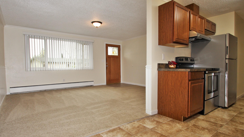 (6) dining room
